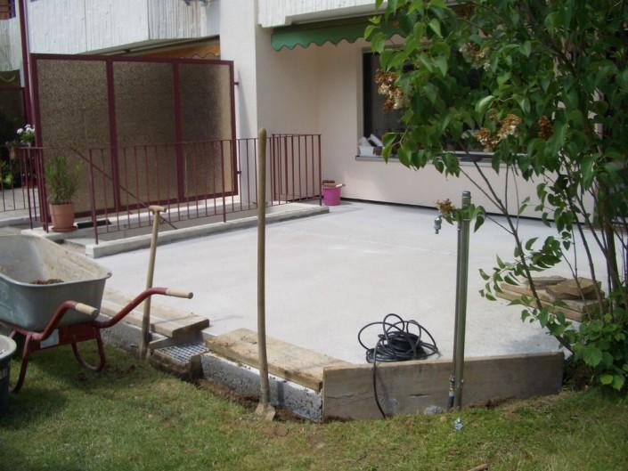 Umlaufende Drainage einbauen